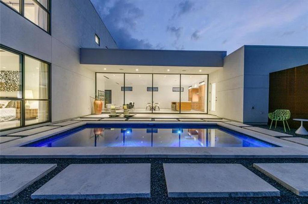 Sparrow Lane Residence